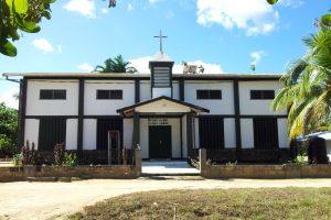 de kerk in Botopasi